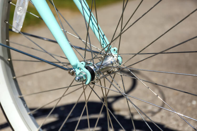 spokes on bicycle